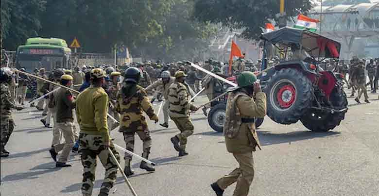 delhi police on tractor rally