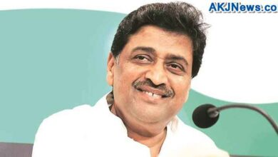 congress leader praise nitin gadkari