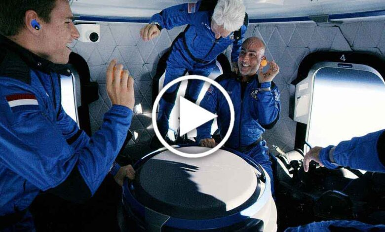 jeff-Bezos-in-space