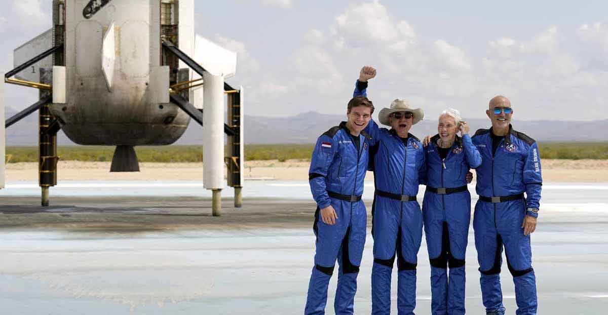 jeff-bezos-and-team-returned-from-space