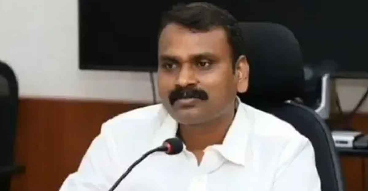 union-minister-L-Murugan's-parents-work-in-the-fields