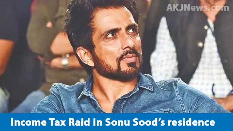 IT-raid-iin-Sonu-Sood's-House